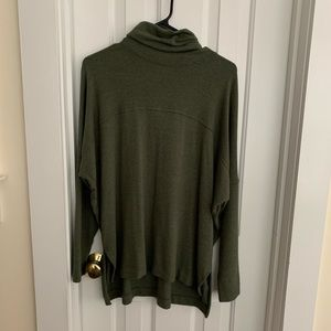 Aerie oversized turtleneck sweater, size small